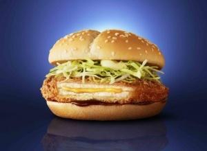 マック、7年ぶりに「チーズカツバーガー」復活